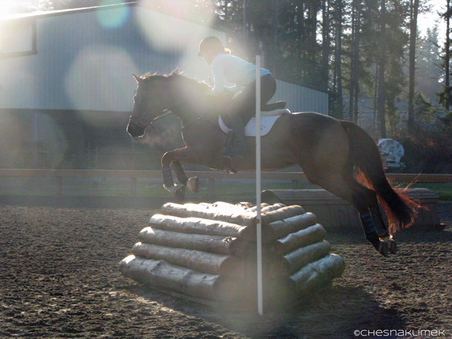 meika-decher-jumping